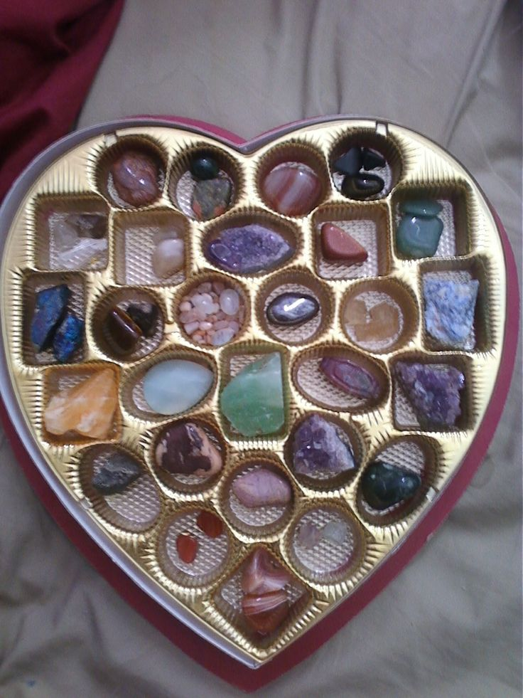 recycle-candy-heart-box